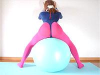 女装子さんのフェチ感あふるるバランスボール運動