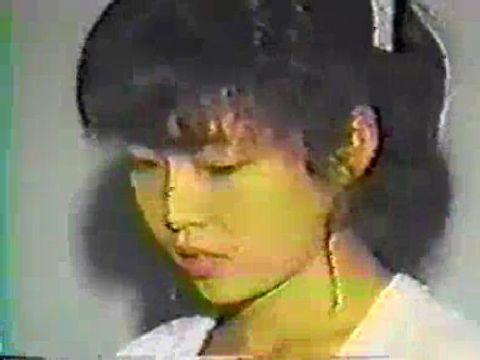 カメラレッスングループが80年代に撮影した少女が処女喪失してしまう裏ビデオ おしえて みよ