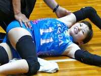 女子バレーボール選手がおっさんにマッサージされてる映像が1000万再生を記録してしまうwww