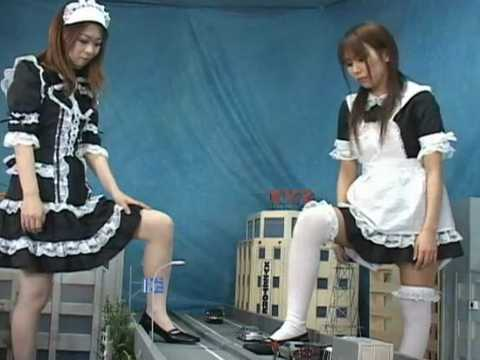 巨大化した2人のメイドがオフィス街を大暴れするフェチ動画 GTS 巨大娘