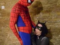 恵体のバットウーマンとのエッチに勃起しまくりなスパイダーマン