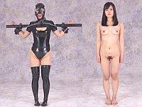 M女好き大歓喜!念願のSM拘束具姿と全裸姿の比較映像が爆誕!