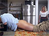 パンプキンパイでオナニーしていた息子に母が怒りのフェラ抜きお仕置き!