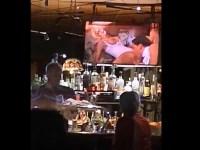 パブの店内に設置されたテレビをハッキングしてエロ映像を流したった