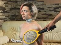 【電気責め】虫取りラケットで陥没乳首を責められるツルマン娘