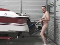 【歪んだ性癖】ボートとセックスするアブノーマルなオッサン