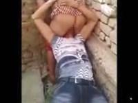 【浮気現場突入】人妻のマンコを舐めていたクンニ男が旦那から制裁を受ける