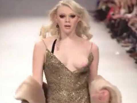 ファッションショーでおっぱいを揺らしながら乳首ポロリしてしまうモデルたち