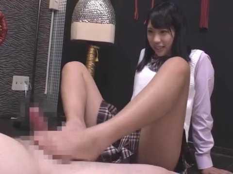 【高杉麻里】女子校生のクサい足による臭い責めと足コキで調教されるM男奴隷