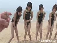 競泳水着女子たちがリモコンバイブを仕込まれ特訓中におもらし!