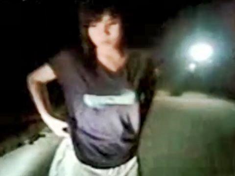 イジメか?路上で強制ストリップ!全裸にさせられる素人アジアン女性