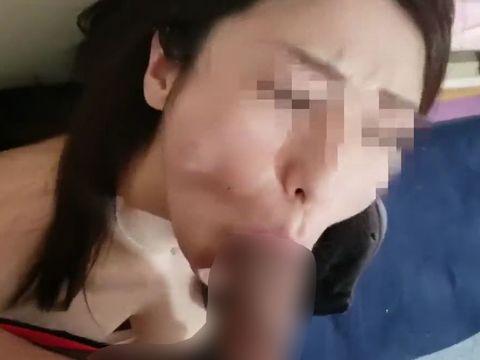 ヤンキー主婦が借金取りの闇金男に子供の横で寝取られてしまう無修正の個人撮影NTR動画
