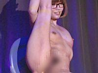 昭和の性的大衆娯楽が再燃!コスプレ生ストリップショーがアツゥイ!