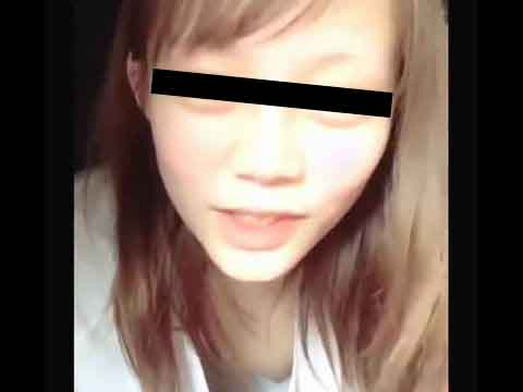 関西弁のヤンキーギャルがLINEライブでトーク配信中に乳首が見えちゃうエロハプニング