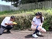 野外放尿中のパイパンJKに媚薬入り水鉄砲→快楽堕ちで中出しレイプ!www
