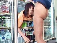 【時間停止レイプ】フェラ&逆さイラマでぶっかけ顔射されるコンビニ店員