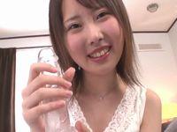 【山口葉瑠】ピアニストが繊細な指使いでチンコをこねくる凄テク手コキ!男の潮吹きまでさせちゃう手指フェチ動画!
